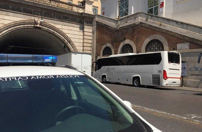 polizia locale bus turistici